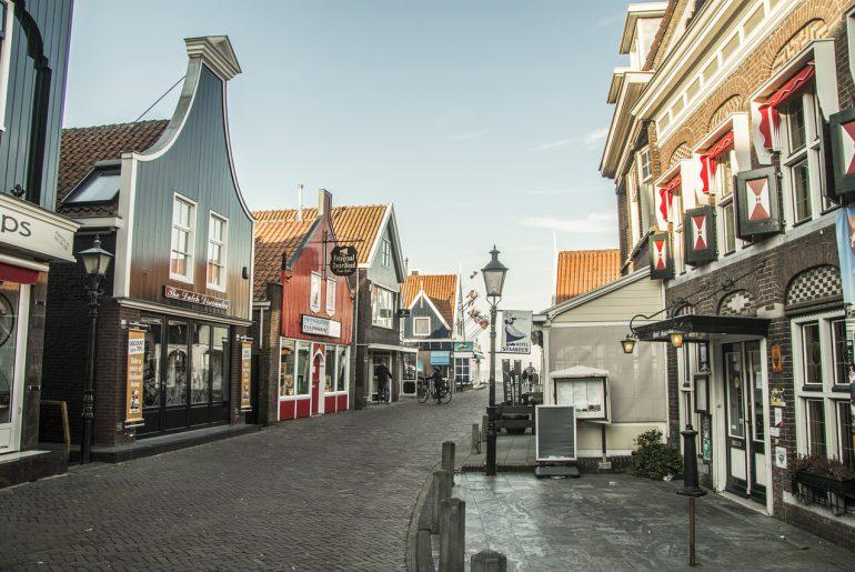 typisch hollands genieten in volendam