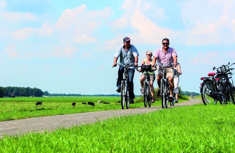 fietsen bij giethoorn en de weerribben